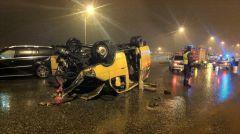 """Чудо, что никто не погиб в такой аварии. Фото http://www.zarulem.ws (от CAMaRYtyanin)""""Мерседес"""" протаранил маршрутку блатные номера"""