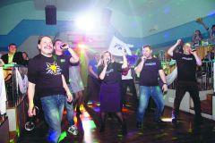 """Во время зажигательного исполнения """"Хали-гали"""" на танцполе оказался весь наш коллектив. Супервечер, хали-гали"""