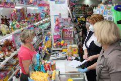 Рейд показал, что введенные указом ограничения соблюдают в небольших магазинах...А теперь гуляй по свету,  хочешь в маске, хочешь без? #стопкоронавирус