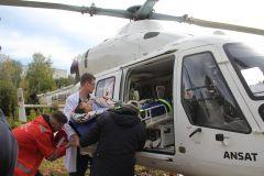 В идеале нужно, чтобы пациент прямо с каталки вертолета попадал в приемный покой больницы. И сейчас отрабатываются варианты того, как это организовать. Фото Максима БоброваНебесная карета скорой помощи