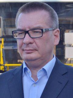 Глава администрации Новочебоксарска Павел СЕМЕНОВ101-й меняет формат, или Давка в салоне отменяется общественный транспорт