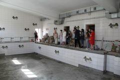 Бассейн школы № 17 будет полностью отремонтирован к 1 сентября.  Фото Максима БОБРОВАМаршрут здоровья Реализация нацпроекта