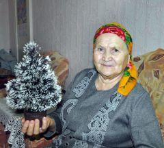 Ольга Дмитриевна СапероваЖелаем здоровья, мира и удачи! Новый год  - 2011 Грани с подарками идут в гости