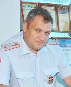 инспектор по пропаганде Новочебоксарского ОГИБДД Александр СМИРНОВ Южную очистят от нарушителей, Парковую отремонтируют