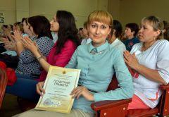 Специалист по кадрам София Григорьева награждена Почетной грамотой Минздрава ЧР.Работать в медицине —  настоящее счастье