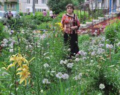 """© Фото Валерия БаклановаКрасивые цветы  рождают добрые мечты конкурс """"Моя клумба лучше всех"""""""