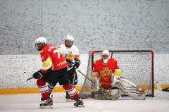 Состоялся товарищеский хоккейный матч между сборными Правительства и Госсовета Чувашии