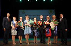 В Чувашии назвали имена лучших педагогов республики Учитель года