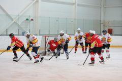 Состоялся товарищеский хоккейный матч между сборными Правительства и Госсовета Чувашии хоккей