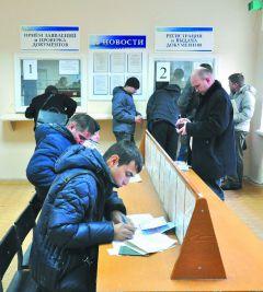 В ОГИБДД Новочебоксарска. © Фото Валерия БаклановаУспевают ли  за автомобилизацией в ГИБДД? Из первых уст