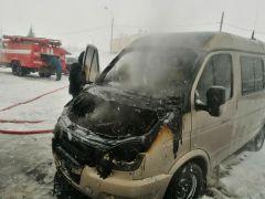 Последствия пожара в г. НовочебоксарскВ Новочебоксарске огнем занялся автомобиль «Соболь» пожары