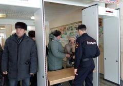 Безопасность на участках была обеспечена на беспрецедентном уровне.Убедительная победа: страна проголосовала за Путина Выборы-2018