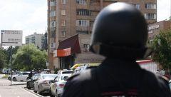 """Район магазина был оцепленЗахвативший заложницу в московском """"Дикси"""" задержан и дает показания захват заложников"""