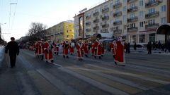 В Чебоксарах прошел парад «Новогоднее всенашествие-2018» Новый год-2019