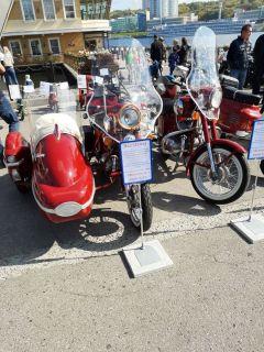 Коллекция мотоциклов из Новочебоксарска. Золотая осень: хром, блеск, старина! фестиваль ретротехники ретроавтомобили Выставка ретро-техники