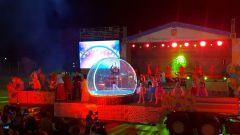 Кульминацией праздника стало театрализованное музыкальное представление. Фото пресс-службы администрации НовочебоксарскаСюрпризы Сказа о Новочебоксарске День города Новочебоксарск-2019