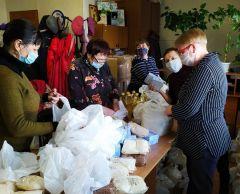 """ГК """"Хевел"""" доставила 500 продуктовых наборов категориям новочебоксарцев, особенно незащищенным в период пандемии.В едином порыве Я - волонтер Бумеранг добра #мывместе"""