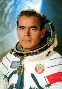 В честь дня рождения  космонавта космонавт Андриян Николаев