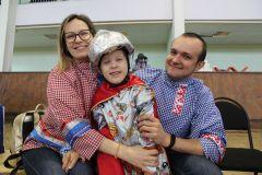 Три богатыря — Илья Сухоруков, мама Юлия и папа Слава. К победе на коне!
