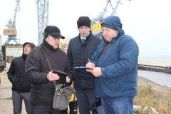 «Химпром» заселил около 9 тысяч молоди толстолобика в Волгу Химпром