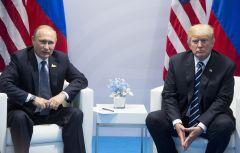Президент России Владимир Путин и президент США Дональд Трамп на саммите G20 в Гамбурге в июле 2017 года © AP Photo/Marcellus Stein  Подробнее на ТАСС: http://tass.ru/mezhdunarodnaya-panorama/5374694Крупнейшая газета Финляндии опубликовала открытое письмо Путину и Трампу Трамп Владимир Путин