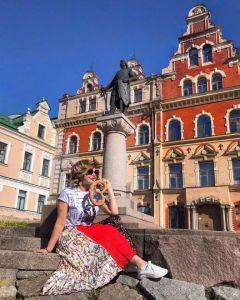 Жанна Политова (vk.com/id29281103), путешествуя по России, посетила город Выборг.Счастливы и горды Грани в Сети