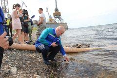 ПАО «Химпром» провело мероприятие по зарыблению реки Волги мальками стерляди Химпром