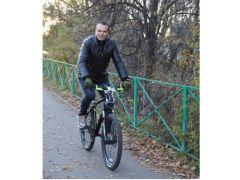 М.Игнатьев проехал по Новочебоксарску на велосипедеГлава Чувашии Михаил Игнатьев посетил Новочебоксарск Глава Чувашии в Новочебоксарске