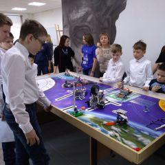 """Участники """"FIRST Lego League"""" готовили автоматические устройства для космических миссий.От """"Лего"""" до космоса. Участники """"ProFest-2019"""" показали, на что способны их роботы Цифровая Чувашия ProFest-2019"""