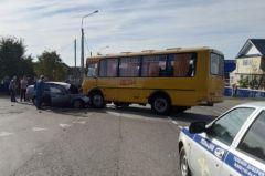 Место ДТП. Фото МВД по ЧРВ Чувашии девочка погибла в ДТП с участием школьного автобуса ДТП со смертельным исходом