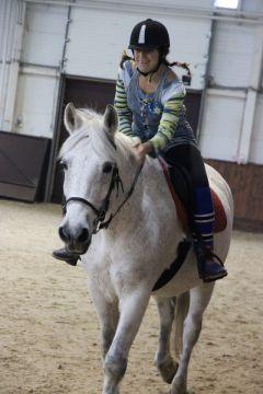 Кира Комарова из Кстово — одна из самых опытных спортсменок. К победе на коне!