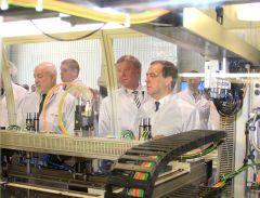 Дмитрий Медведев дал старт производству солнечных модулей. Фото Анны АнфимовойМегаватты подарит солнце Дмитрий Медведев