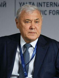Анатолий Аксаков, председатель Высшего экономического совета ЧувашииКапитальные вложения ТОСЭР Программа развития
