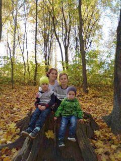 """Алевтина Кузнецова с младшими детьми: """"Работаем, учимся — все у нас хорошо"""".Когда вместе — всегда в плюсе семья"""