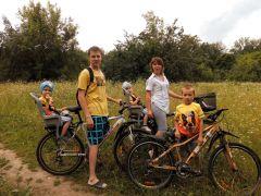 Анна Ресметова и ее дружная семьяГидроэнергетики Чебоксарской ГЭС подержали Всероссийскую акцию  «На работу на велосипеде» РусГидро