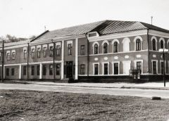 В 1980-м музей переехал в бывший дом купца Михаила Ефремова.Хранить вечно! Национальный музей Чувашии отмечает 100-летний юбилей национальный музей Чувашии