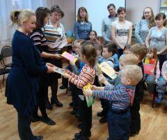 """Фото из архива детсада № 47100 книг в подарок  акция """"Подари книгу"""""""