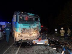 Под Чебоксарами столкнулись самосвал и маршрутка: 11 человек погибли ДТП