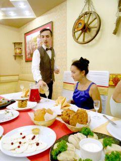 Национальные блюда подаются в соответствующих интерьерах.  Тонкости  гастрономического туризма  Тропой туриста Отдыхаем в Чувашии гастрономический тур