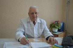 Николай Скворцов, врач-отоларинголог. 57 лет бережной заботы о пациентах. Спасибо, доктор!