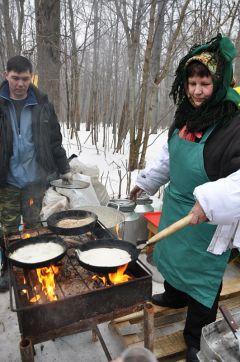 DSC_0585.JPGВ Новочебоксарске выбрали самые вкусные и оригинальные блины масленица в Новочебоксарске конкурс на самый вкусный блин