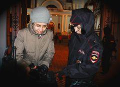 Более 600 полицейских вышли на пасхальное дежурство Пасха Полиция бдит дружинники