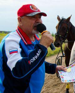 Марина Никольская на равных боролась с мужчинами-наездниками.Ах вы кони мои, скакуны! конные бега