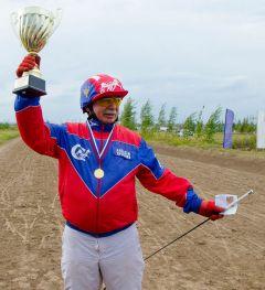 Большой кубок завоевал мастер-наездник Алексей Краснов.Ах вы кони мои, скакуны! конные бега