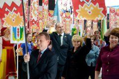Делегация Новочебоксарска достойно представила муниципалитет на параде городов и районов Чувашии.Вместе к добру и созиданию 100 лет Чувашской автономии