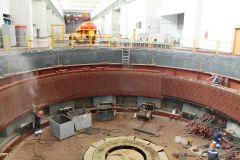 Демонтаж обмотки статора гидрогенератора  N 4На Чебоксарской ГЭС начали замену статора еще одного гидрогенератора РусГидро
