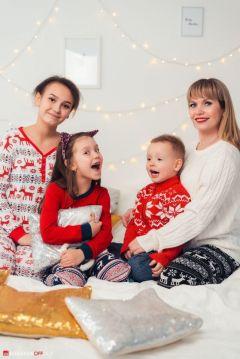Татьяна с дочерьми и младшим сыном устраивали творческие вечера и семейные фотосессии.Мама, дети, карантин: как это было Личный опыт #стопкоронавирус