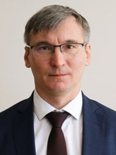 Министр строительства, архитектуры и ЖКХ Чувашии Александр Героев.Пора заделать бреши
