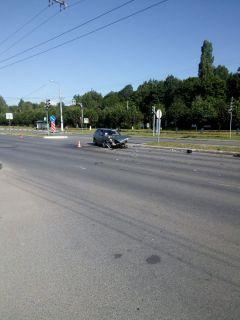 Место ДТП. Фото Любови ШипеевойДТП понедельника ДТП в Новочебоксарске