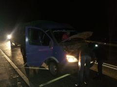 Заглохшее автоИнспекторы ГИБДД не дали замерзнуть пассажирам заглохшего авто в Цивильском районе ГИБДД сообщает